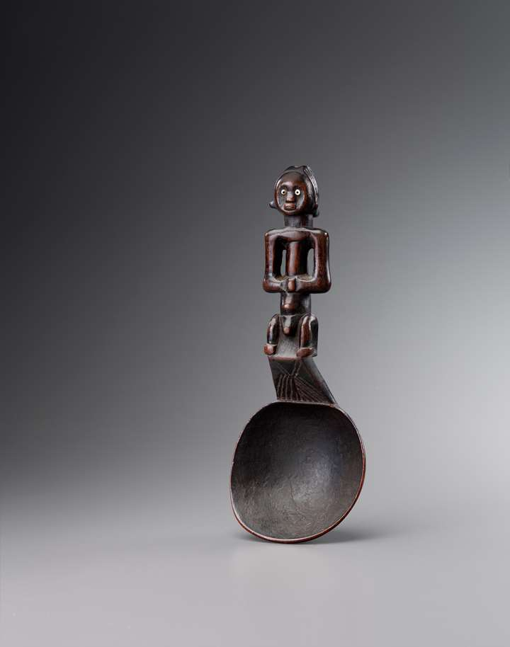 Fang spoon with figural Handle
